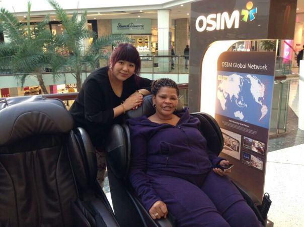 A Customer enjoying exceptional service from Bobbi at St Lukes OSIM